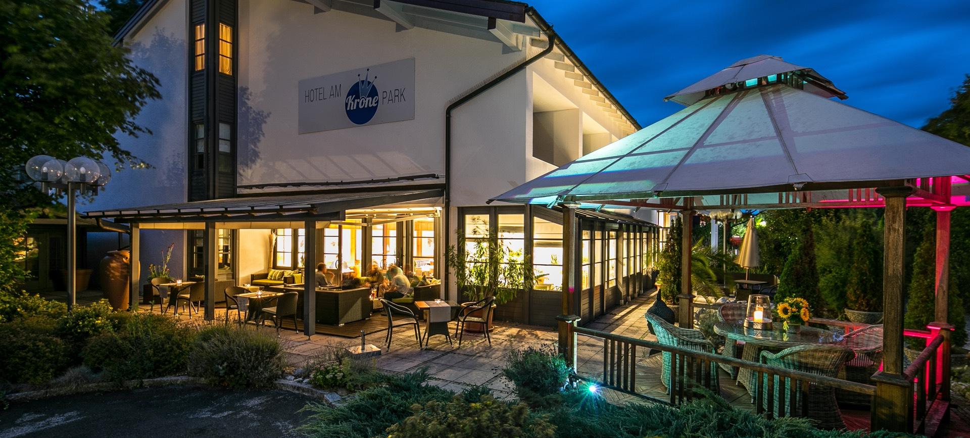 Hotel Am Krone Park Aussenansicht Biergarten